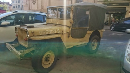 Not the best photo however it adds to the look of this classic army Jeep